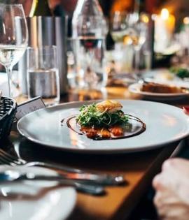 restaurant-691397_640-f08cbc71e8b97584e060eac985822186.jpg